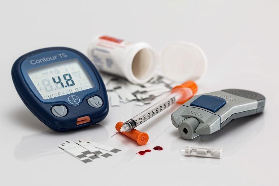 Медики назвали зовнішній симптом, що попереджає про підвищений цукор в крові