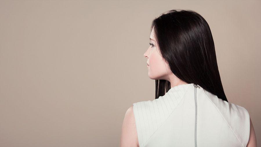Почему на спине появляются высыпания: названы самые распространенные причины