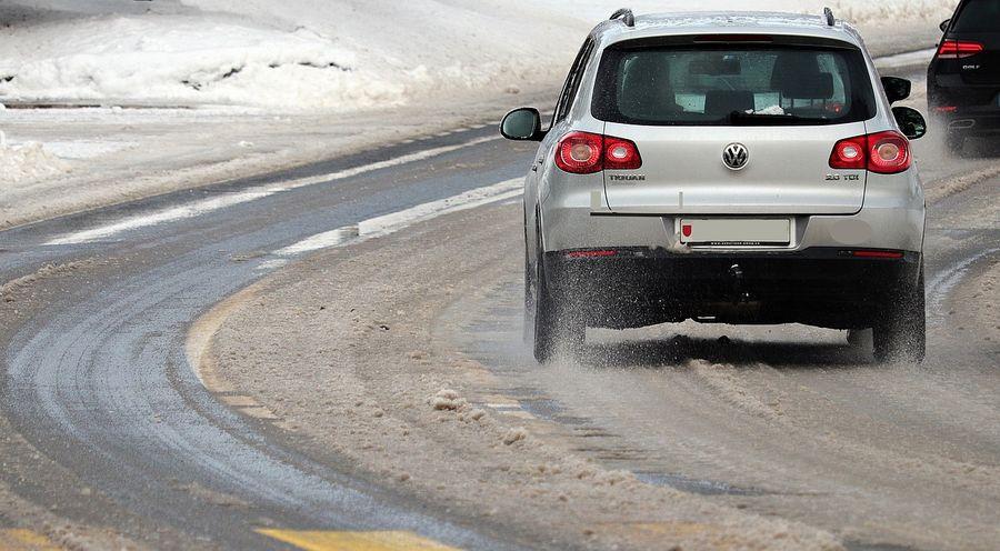 Из-за непогоды и снегопадов в Украине объявлено штормовое предупреждение