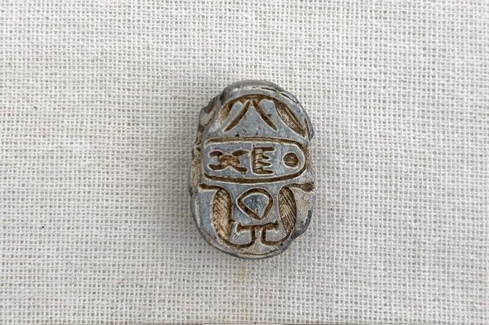 Египетская печать в форме жука-скарабея