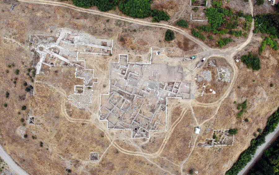 Археологи обнаружили в Турции уникальную египетскую печать с загадочными символами