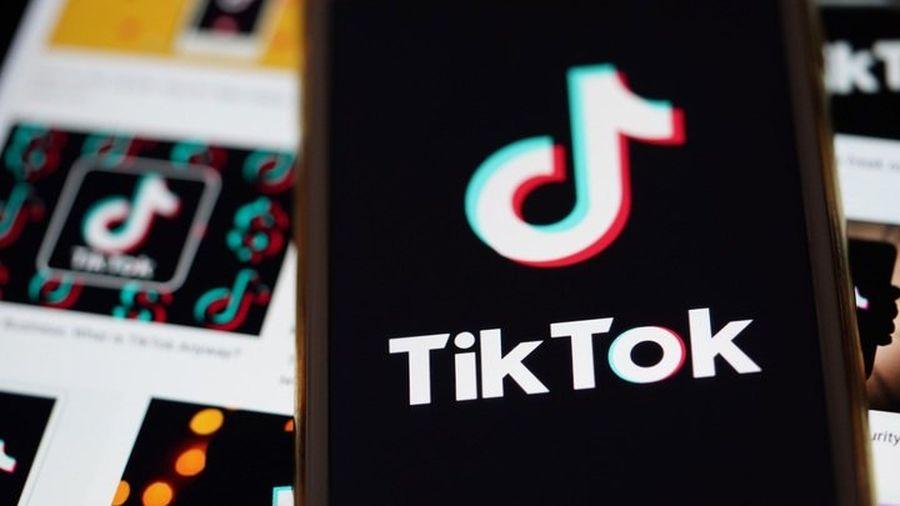 Челлендж з задушенням: В Італії частково заблокували соцмережу TikTok через смерть 10-річної дівчинки
