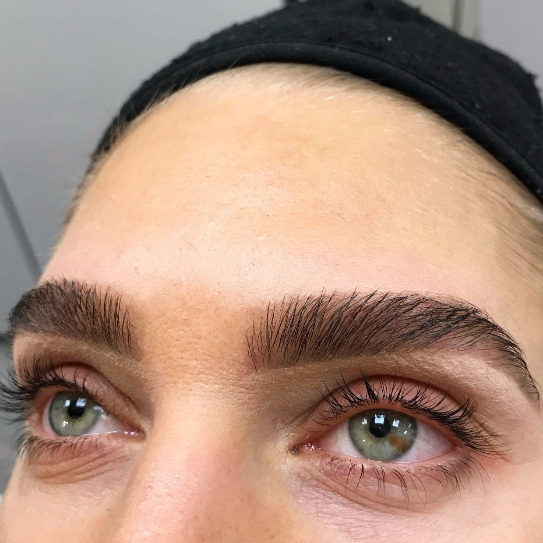 trådning ögonbryn stockholm