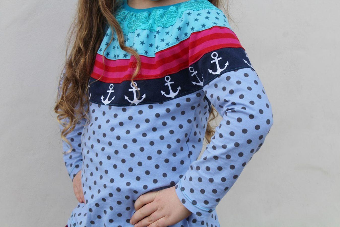 Produktfoto von Kleine Lotta Hohenberg für Schnittmuster Kinderpulli Ida