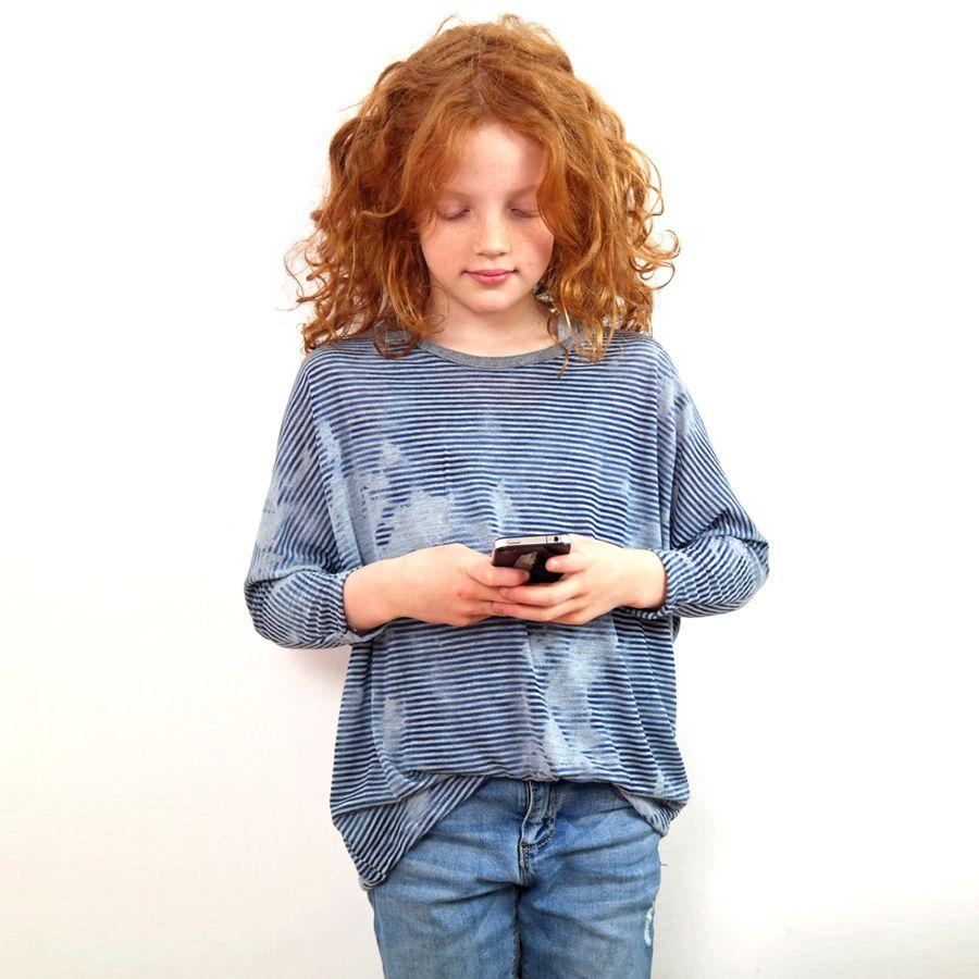 Produktfoto von Leni Pepunkt für Schnittmuster BAT.shirt4Teenies