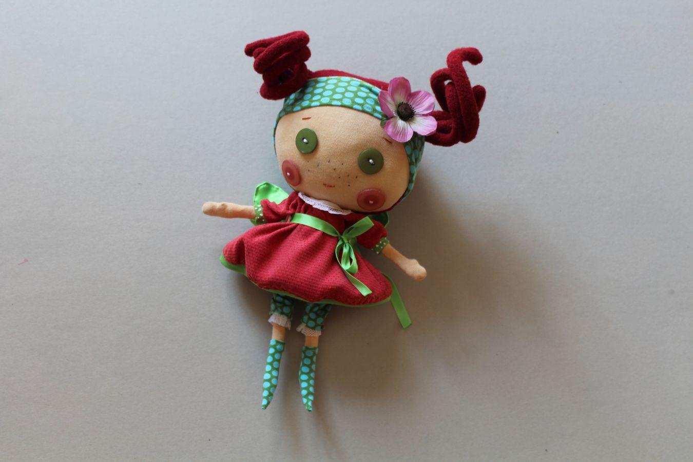 Produktfoto von Kleine Lotta Hohenberg für Schnittmuster Stoffpuppe Lotti