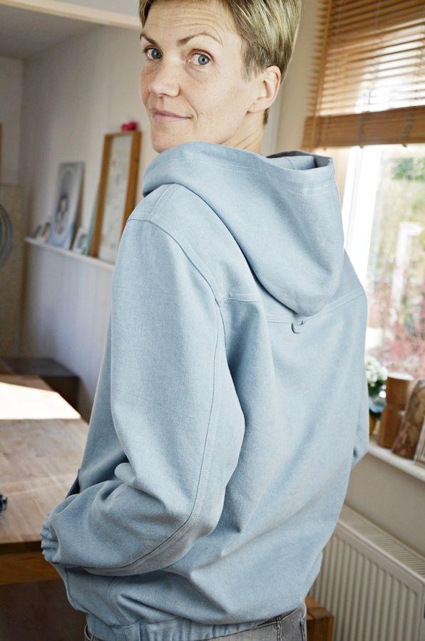 Produktfoto von Elle Puls für Schnittmuster Hoodie Loma