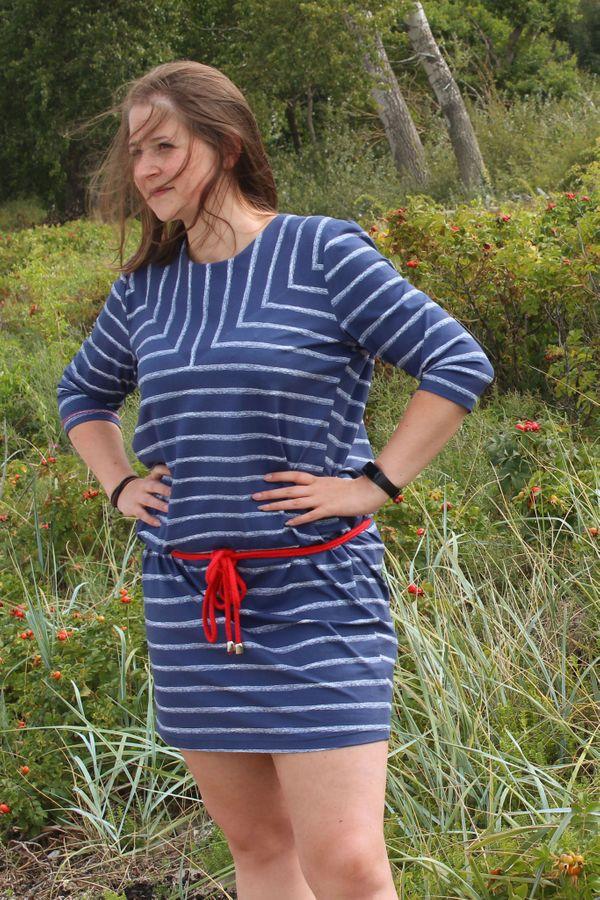 Produktfoto von einfach anziehend für Schnittmuster Kleid Malaika