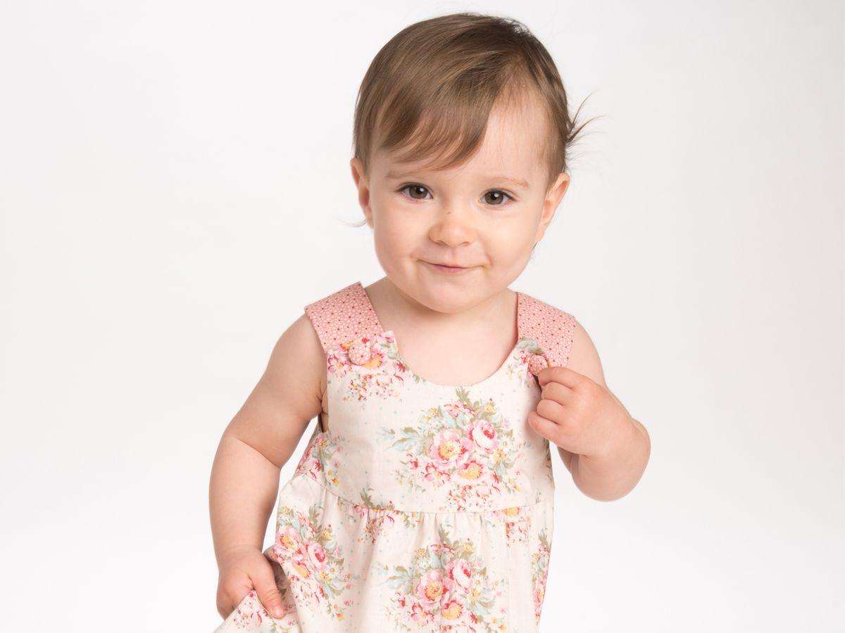 Produktfoto 4 von Pattern 4 kids für Schnittmuster Clara und Emi Kleid und Pumphose