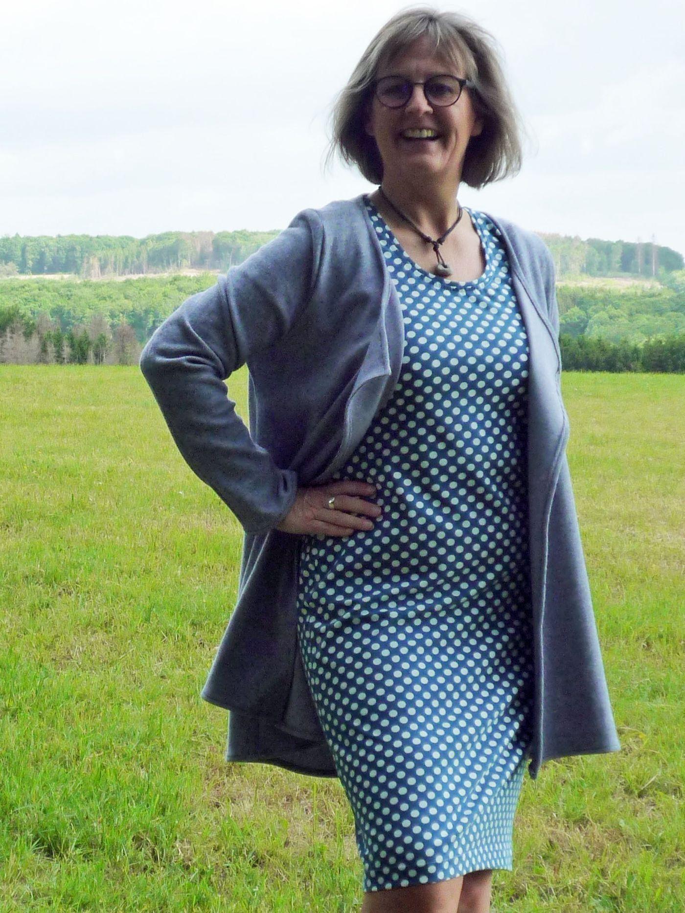 Produktfoto 4 von Unendlich schön - Design Anita Lüchtefeld für Schnittmuster Cardigan Zahra & Basicoberteil Lilie von 34 - 56
