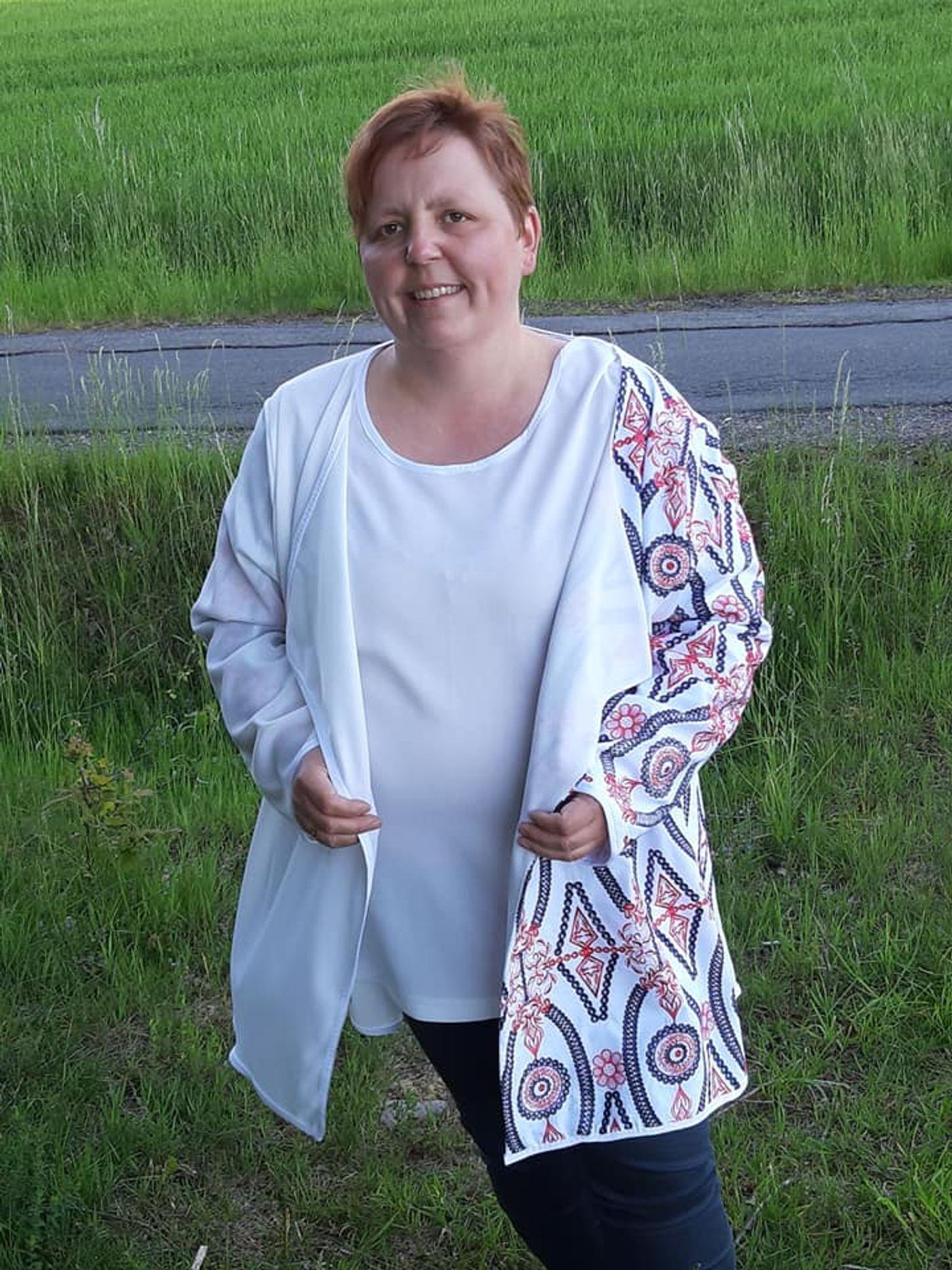 Produktfoto 8 von Unendlich schön - Design Anita Lüchtefeld für Schnittmuster Cardigan Zahra & Basicoberteil Lilie von 34 - 56