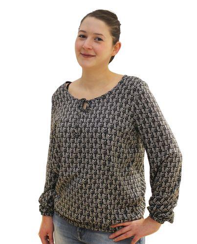Produktfoto von einfach anziehend zum Nähen für Schnittmuster Bluse Dora