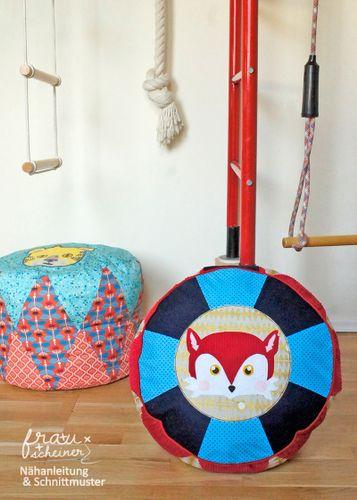 Produktfoto von Frau Scheiner für Schnittmuster Zirkuskissen in zwei Größen