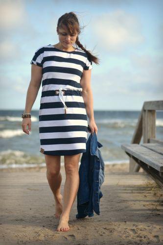 Produktfoto von Meine Herzenswelt zum Nähen für Schnittmuster Kleid/Shirt Damen - Meine Helvi