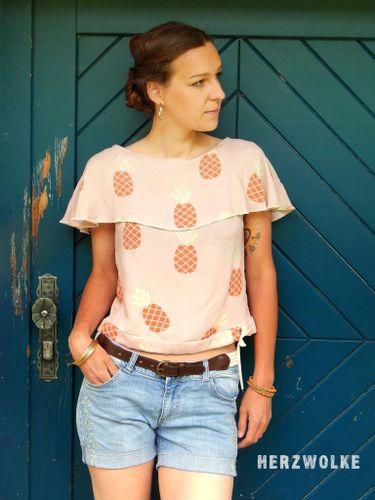 Produktfoto von Die wilde Matrossel für Schnittmuster Bluse/Shirt Madrid