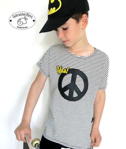 Produktfoto von Sara & Julez zum Nähen für Schnittmuster Eazzy.Shirt Boy