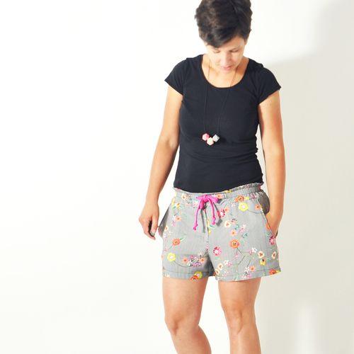 Produktfoto von Leni Pepunkt zum Nähen für Schnittmuster HOLIDAY.hose