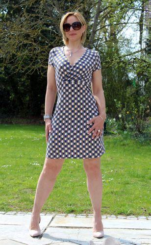 Produktfoto von SchnittmusterLounge zum Nähen für Schnittmuster Kleid Celia