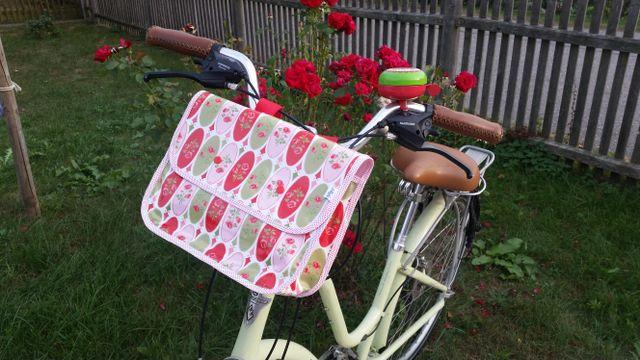 Produktfoto von Almfee zum Nähen für Schnittmuster Lenkertasche Meredith für Damenräder