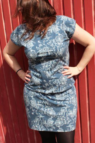 Produktfoto von einfach anziehend für Schnittmuster Kleid Mia