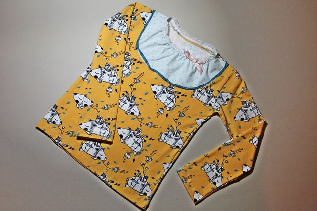 Produktfoto von Kleine Lotta Hohenberg für Schnittmuster Mädchenshirt Paola