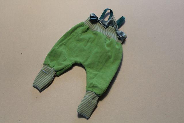 Produktfoto von Kleine Lotta Hohenberg für Schnittmuster Pumphose Luca