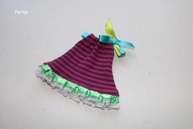 Produktfoto von Kleine Lotta Hohenberg für Schnittmuster Puppenkleid EASY
