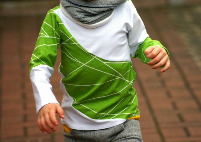Produktfoto von PhiBobo's Zaubernadel zum Nähen für Schnittmuster Bobo's Cool Curved Shirt