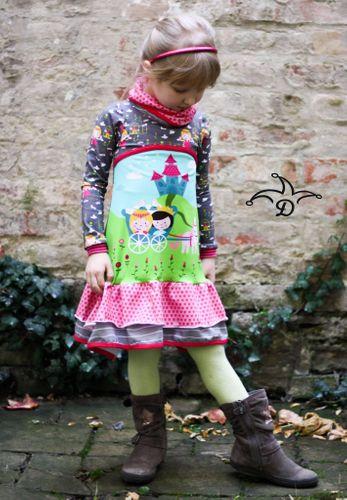 Produktfoto von Mamilu Design zum Nähen für Schnittmuster Just Girly Rüschenkleid