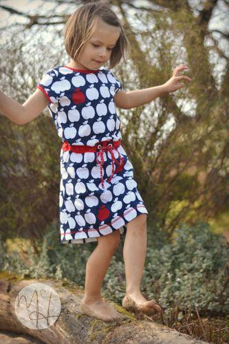 Produktfoto von Meine Herzenswelt zum Nähen für Schnittmuster Kleid/Shirt Kinder - Deine Helma