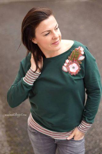 Produktfoto von Kid5 zum Nähen für Schnittmuster #62 Raglan Sweater Women