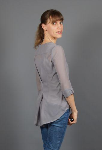 Produktfoto von SchnittmusterLounge zum Nähen für Schnittmuster Bluse La PETITE Primavera