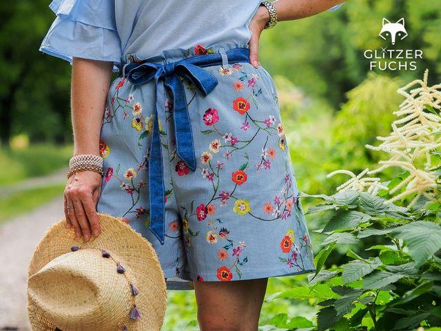 Produktfoto von Die wilde Matrossel zum Nähen für Schnittmuster Rohrspatz - High Waist Shorts