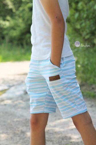 Produktfoto von Meine Herzenswelt zum Nähen für Schnittmuster Shorts/Hose Kinder - Deine Suri