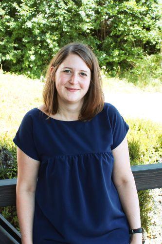 Produktfoto von einfach anziehend zum Nähen für Schnittmuster Blusenshirt Lena