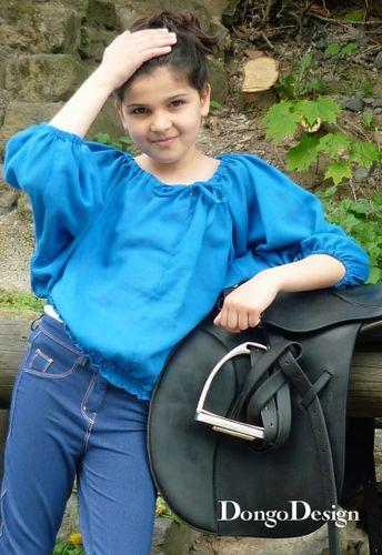 Produktfoto von DongoDesign zum Nähen für Schnittmuster Bluse Carmen