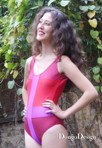 Produktfoto von DongoDesign zum Nähen für Schnittmuster Badeanzug Im Fadenkreuz