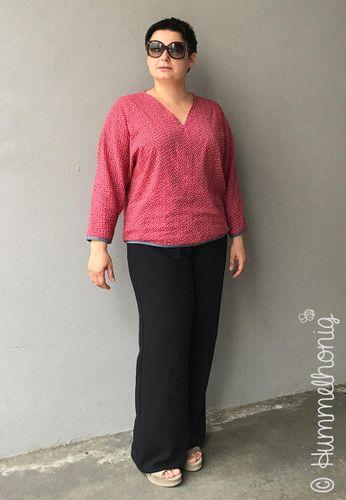 Produktfoto von Hummelhonig zum Nähen für Schnittmuster Damenbluse Lissabon