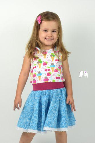 Produktfoto von Engelinchen zum Nähen für Schnittmuster Jump & Dance - Jumper und Drehkleid
