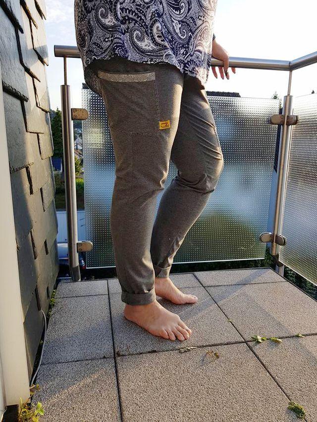 Produktfoto von Miou Miou zum Nähen für Schnittmuster Joggpants Dania XL