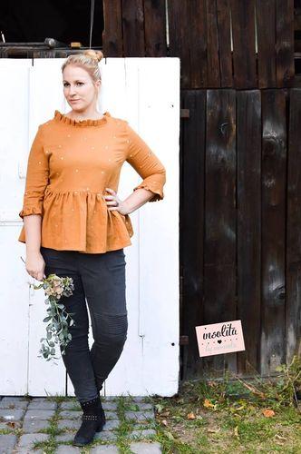 Produktfoto von Laneli zum Nähen für Schnittmuster Bluse #Clara