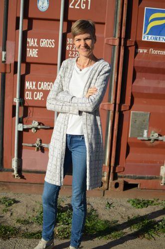 Produktfoto von Elle Puls zum Nähen für Schnittmuster Cardigan Shelly