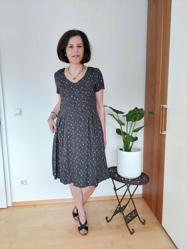 Produktfoto von Schnitte 4 friends zum Nähen für Schnittmuster Sommerkleid Mara