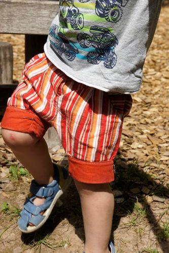 Produktfoto von Nähcram zum Nähen für Schnittmuster Kurze Hose Beinhalbrein mit Knopflochgummi
