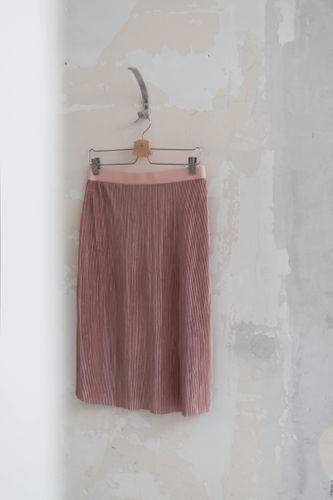 Produktfoto von fashiontamtam zum Nähen für Schnittmuster Rock in Midi-Länge #plissee