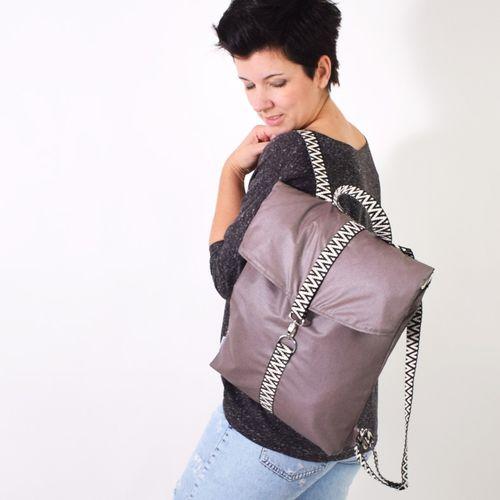Produktfoto von Leni Pepunkt zum Nähen für Schnittmuster MESSENGER.rucksack