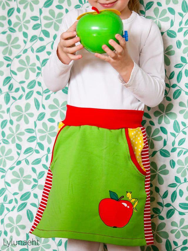 Produktfoto von Miou Miou zum Nähen für Schnittmuster Kinderrock Mini-Nelda
