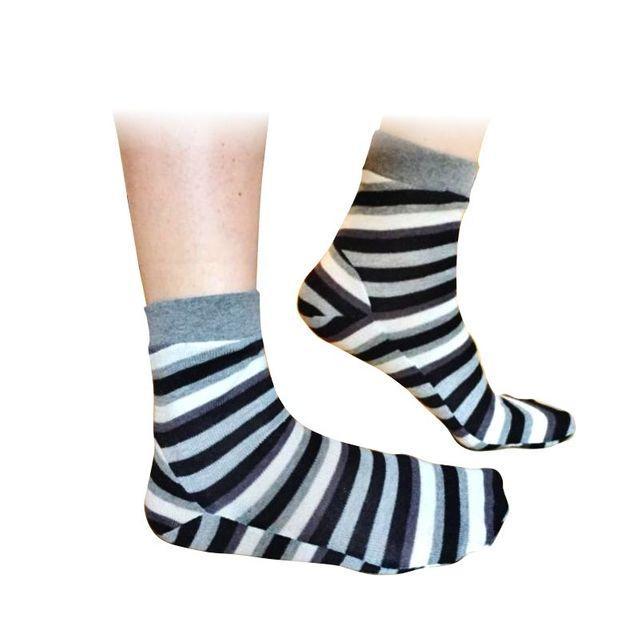 Produktfoto von Fluff Store  zum Nähen für Schnittmuster Flümpfe - Socken für Babys, Kinder, Damen und Herren