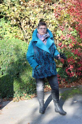 Produktfoto von Unendlich schön - Design Anita Lüchtefeld zum Nähen für Schnittmuster Winterblazer Scilla
