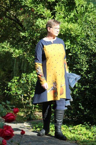 Produktfoto von Unendlich schön - Design Anita Lüchtefeld zum Nähen für Schnittmuster Tunika/Kleid Ginger